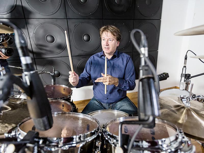 Anthony de Haas nació en 1967 en Holanda y desde octubre de 2004 es Director de Desarrollo de Producto de A. Lange & Söhne. Su otra gran pasión, además de los relojes, es tocar la batería.