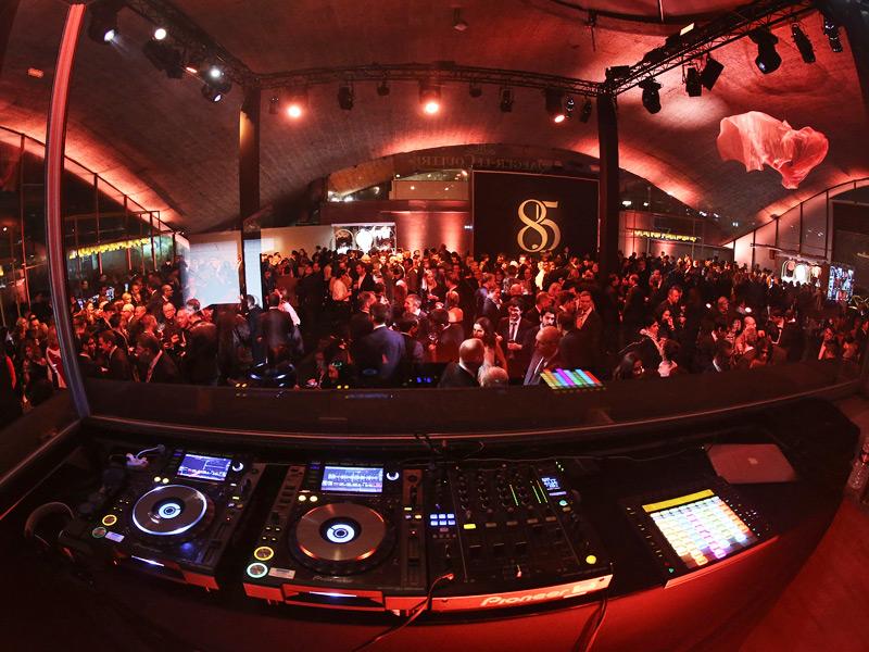 El DJ Cerrone dio comienzo a la fiesta.