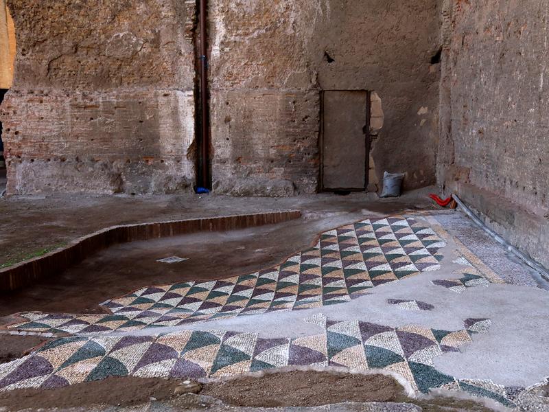 La forma en abanico de estos mosaicos inspiró la Colección Diva´s Dream de la firma italiana.