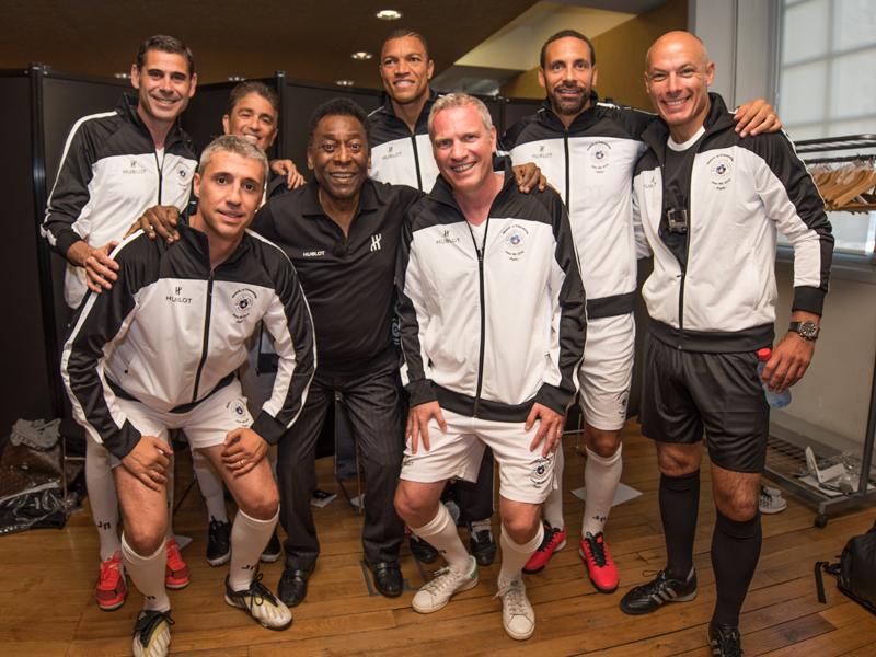 El equipo de Pelé con Ferdinand, Hierro, Dida, Crespo y Bebeto.
