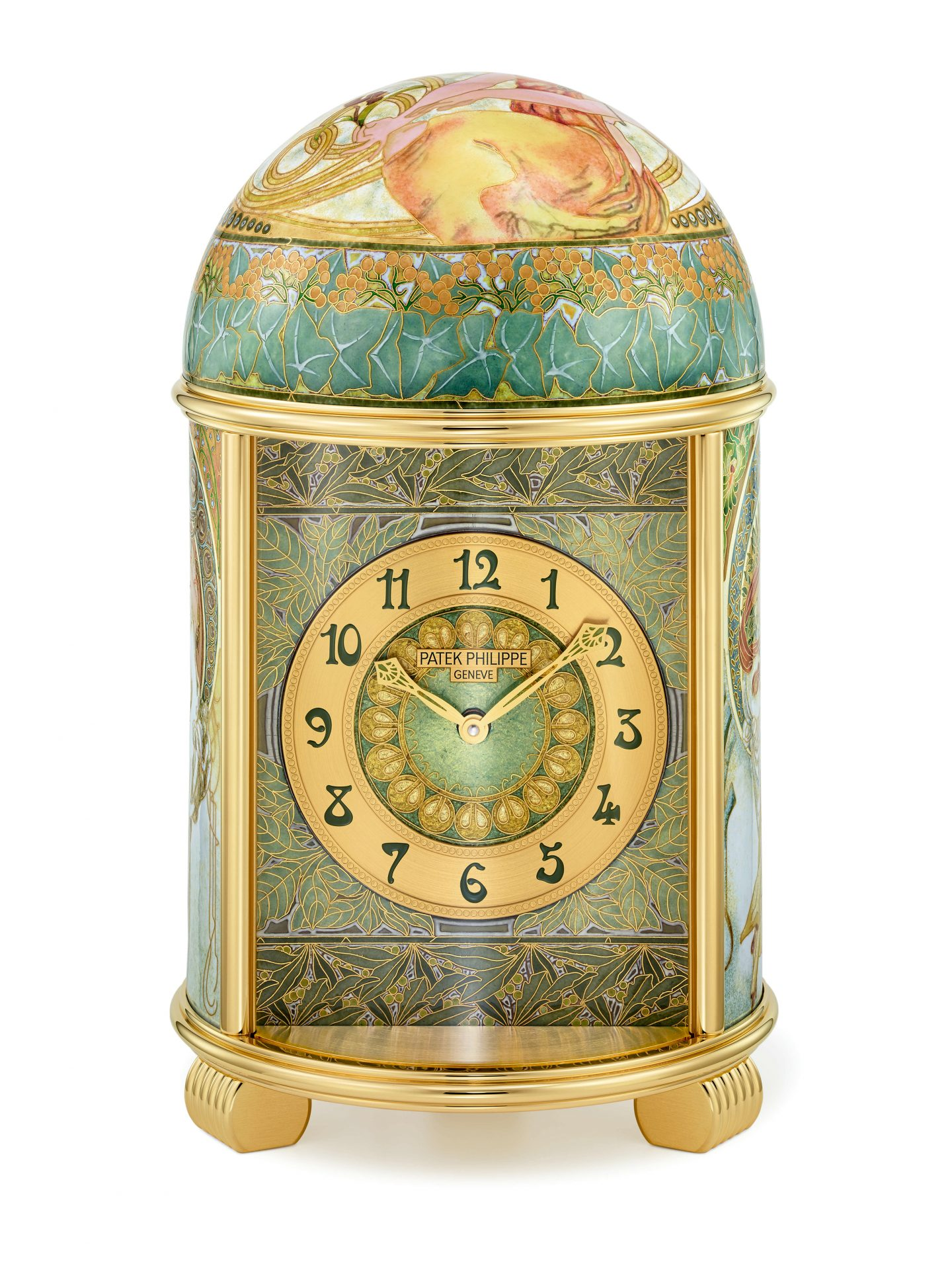Frontal Mucha Dome Clock