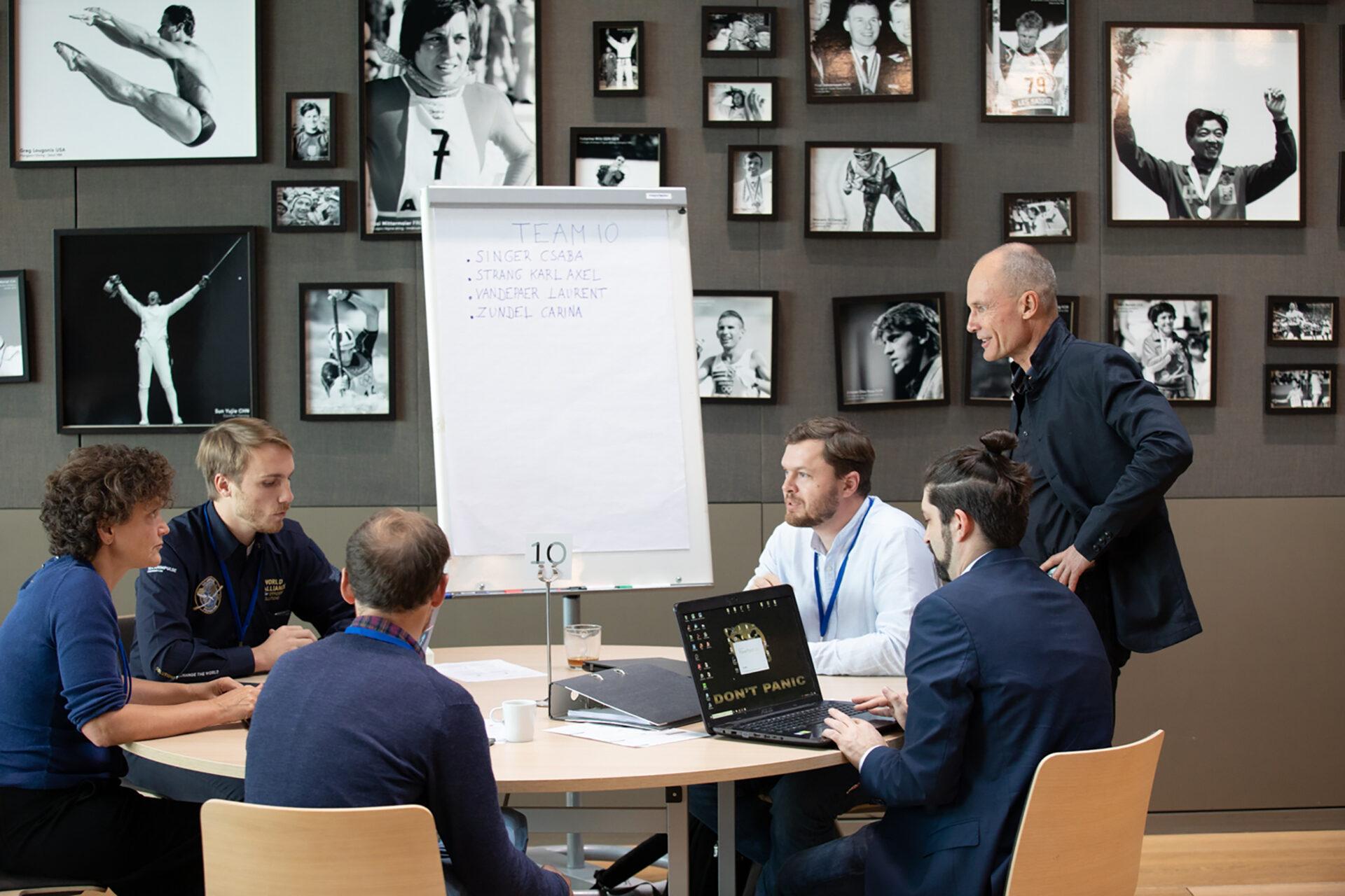 Reunion del equipo de Solar Impulse en el Museo Olímpico de Lausana