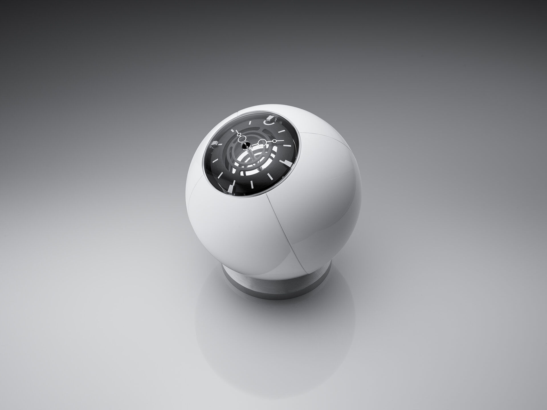 el reloj en su posición cerrada